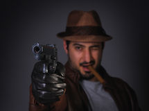 gangstera dążący pistolet ty Obrazy Royalty Free