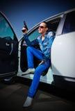 Gangstermann mit Zigarre Lizenzfreie Stockbilder
