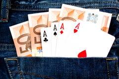 Ganhe quatro 50 euro- notas de banco com jogo de póquer Imagens de Stock