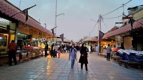 Ganjali que visita Khan Bazaar en Kermán, Irán metrajes