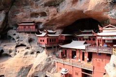 Ganlutempel, een Tempel op dangous klip, in Fujian, China wordt voortgebouwd dat Royalty-vrije Stock Afbeeldingen