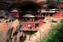 Ganlutempel, een Tempel op dangous klip, in Fujian, China wordt voortgebouwd dat Royalty-vrije Stock Fotografie