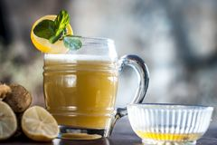 Ganne ka rasa lub trzcina cukrowa sok z surowym cukierem Zdjęcia Royalty Free