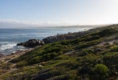 Gansbaai linia brzegowa w Południowa Afryka Fotografia Stock