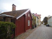 Ganska en swedischkullerstengata royaltyfria foton