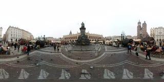 Ganska marknad för jul på den huvudsakliga fyrkanten i mitten av den gamla staden Royaltyfria Foton