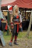 ganska medeltida piratkopierar kvinnan Royaltyfri Foto