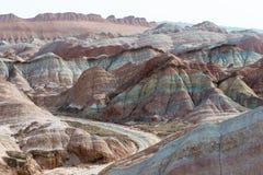 GANSU, CHINA - 10 April 2015: Kleurrijk Heuvels Toneelgebied van Zhang Stock Afbeeldingen