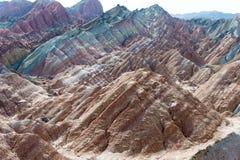 GANSU, CHINA - 10 April 2015: Kleurrijk Heuvels Toneelgebied van Zhang Royalty-vrije Stock Fotografie