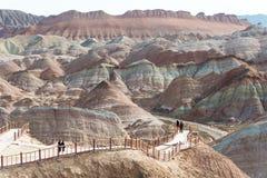 GANSU, CHINA - 10 April 2015: Kleurrijk Heuvels Toneelgebied van Zhang Royalty-vrije Stock Afbeeldingen