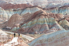 GANSU, CHINA - 10 April 2015: Kleurrijk Heuvels Toneelgebied van Zhang Stock Foto's