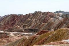 GANSU, CHINA - 10 April 2015: Kleurrijk Heuvels Toneelgebied van Zhang Royalty-vrije Stock Afbeelding