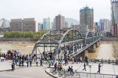 GANSU CHINY, Apr, - 05 2015: Żółty rzeka most (Zhongshan Bridg Zdjęcia Royalty Free