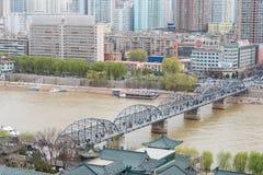 GANSU CHINY, Apr, - 05 2015: Żółty rzeka most (Zhongshan Bridg Fotografia Stock