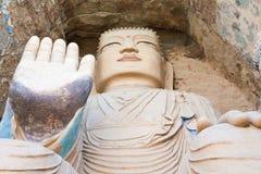 GANSU KINA - April 09 2015: Budda statyer på Tiantishan grottor Royaltyfri Fotografi