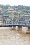 GANSU KINA - April 07 2015: Yellow River bro (Zhongshan Bridg Royaltyfri Foto