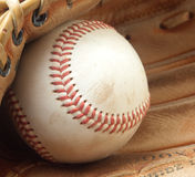 Gant et bille de base-ball images libres de droits