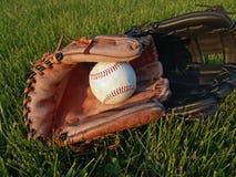 Gants de base-ball après jeu Photographie stock libre de droits