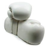 Gants de boxe blancs d'isolement sur le fond blanc Images stock