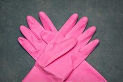 Gants de latex pour le nettoyage image libre de droits
