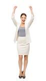 Ganzaufnahme der Geschäftsfrau mit den Händen oben Stockfotos