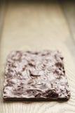Ganze selbst gemachte Schokolade mit Rückseite der Acajounüsse Lizenzfreie Stockfotografie