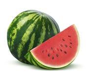 Ganze Wassermelone und Scheibe auf weißem Hintergrund Stockbilder