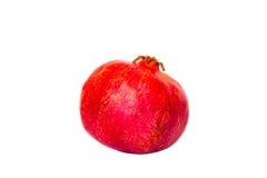 Ganzer einzelner karminroter Granatapfel lokalisiert auf weißem Hintergrund Stockfotografie