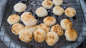 Ganzer Reis gemacht in Bälle Stockfotos