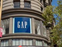 GAP που ντύνει το μαγαζί λιανικής πώλησης ναυαρχίδων στο Σαν Φρανσίσκο στοκ εικόνα με δικαίωμα ελεύθερης χρήσης