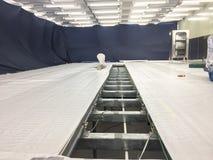Gap dans la nouvelle pièce propre pour la construction, bâtiment industriel photo stock
