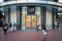 Gap font des emplettes Image stock