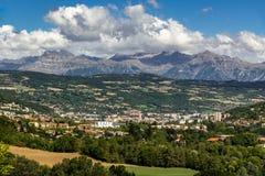 Gap, Hautes-Alpes in de Zomer Franse Alpen, Frankrijk Royalty-vrije Stock Foto