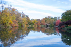 Gapstow bridge in a colorfull fall morning Royalty Free Stock Photos