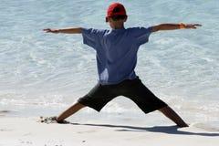 Garçon à la plage de Whitehaven Images libres de droits