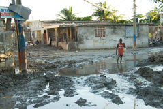 Garçon après ouragan Images libres de droits