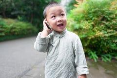 Garçon au téléphone Photo libre de droits