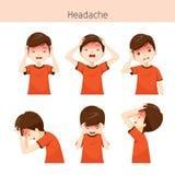 Garçon avec différentes actions de mal de tête Photo libre de droits