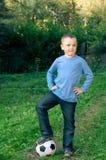Garçon avec la bille de football Photos libres de droits