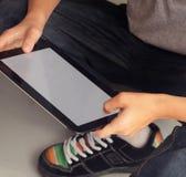 Garçon avec le PC de tablette Photo stock