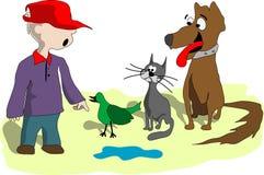 Garçon, chien, chat et oiseau Photos libres de droits