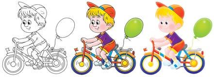 Garçon conduisant une bicyclette Image libre de droits