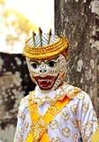 Garçon d'Angkor-Tom Combodia dans le masque Photo stock