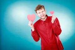 Garçon dans l'amour avec le coeur rouge Photos libres de droits