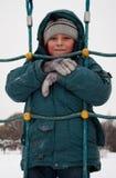 Garçon dans la neige image stock