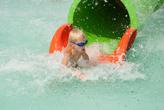 Garçon dans un aquapark Photo libre de droits