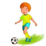 Garçon de dessin animé jouant au football Image stock