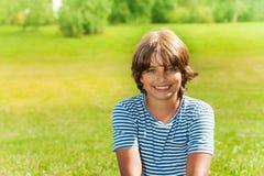 Garçon de l'adolescence heureux Image libre de droits