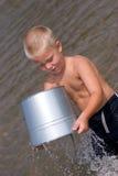 garçon de plage Images stock