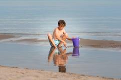 Garçon de plage Images libres de droits